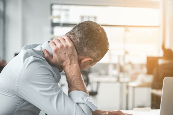 Nackenschmerzen Übungen Nackenschmezen was tun