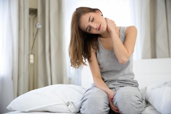 Nackenschmerzen Übungen aufwachen Nackenschmezen was tun