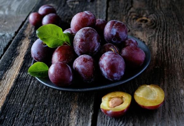 Pflaumenkuchen mit Hefe Rezept Pflaumen gesund Zwetschgen Sommerfrüchte