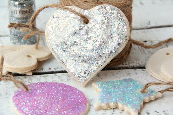 Salzteig Herzen machen Rezept Salzteig kneten und backen