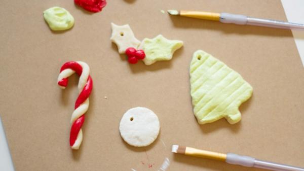 Salzteig machen Deko Elemente zu Weihnachten Salzteig Ideen