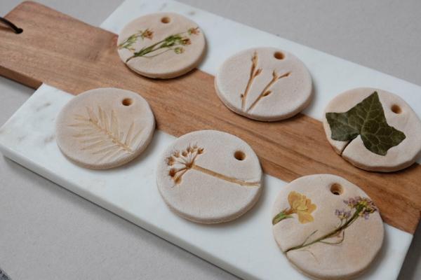 Salzteig machen Herbstdeko Ornamente basteln Salzteig Ideen