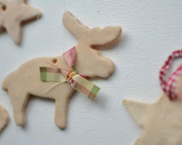 Salzteig machen Hirch basteln zu Weihnachten Salzteig Ideen