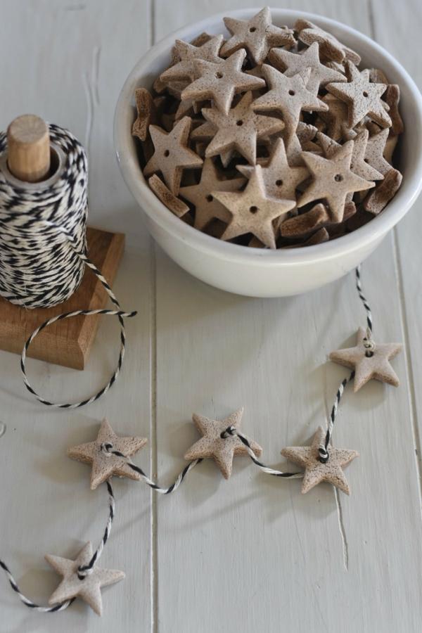 Salzteig machen Sternchen Girlande basteln zu Weihnachten Salzteig Ideen