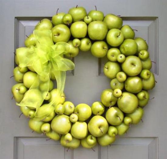 Türkranz mit Äpfeln basteln Türdeko grüne Äpfel hellgrüne Schleife