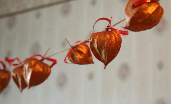 girlande selber machen lampionblume physalis