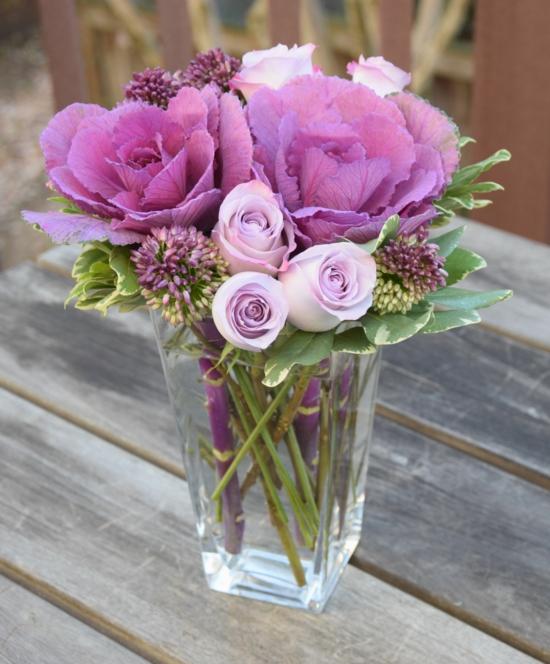 herbst tischdeko blumen rosen zierkohl