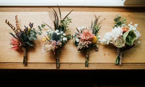 herbst winter hochzeitsanstecker herbstblumen hochzeitsdeko