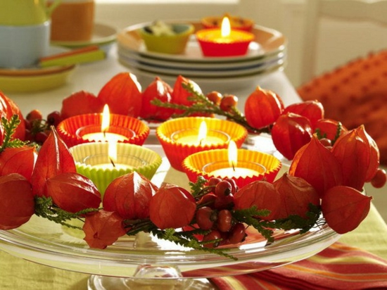 herbstliche tischdeko lampionblume teelichter