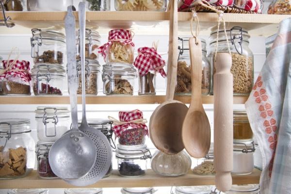 plastikfreie Küche Küchenutensilien nachhaltige Materialien Holz Glas
