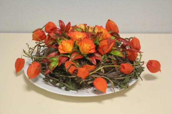 tischdeko rosen lampionblumen