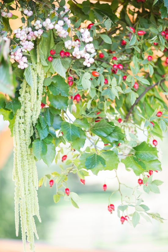 wunderschöne dekoration herbst schneebeere