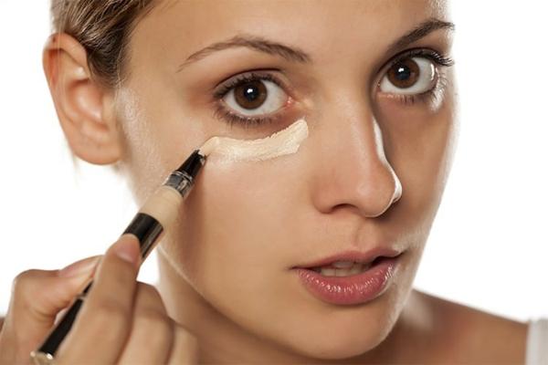 Augen größer schminken Tipps Concealer