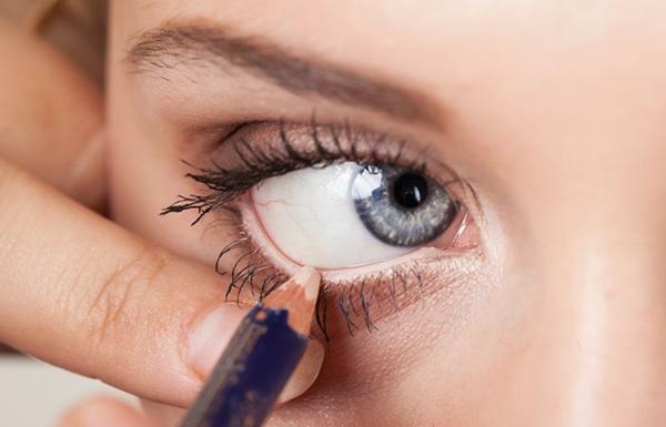 Augen größer schminken Tipps natürliches Aussehen