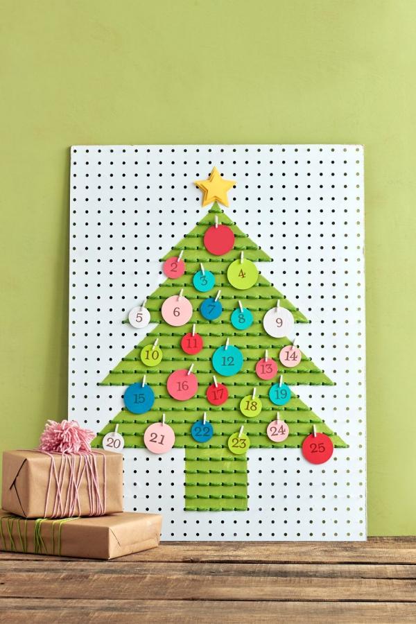 Ausgefallene Adventskalender selber basteln – Ideen und Anleitungen stecktafel kalender deko ideen