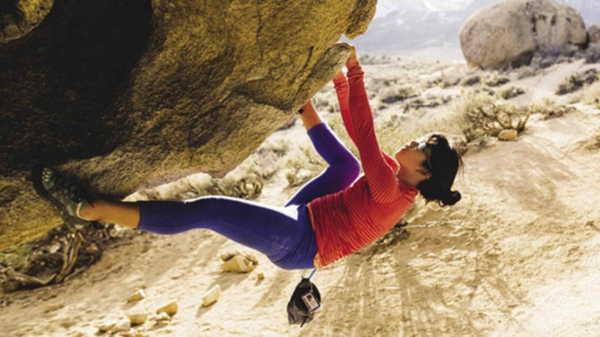 Bouldern Kletternim Freien ungesichert Felsklettern