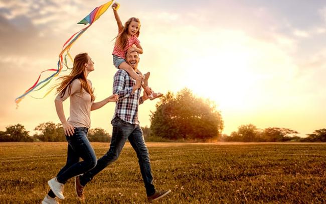 Chinesisches Horoskop 2021 das Jahr des weißen Metall-Büffels mit der Familie viel Zeit verbringen glückliche Familienbeziehungen entwickeln