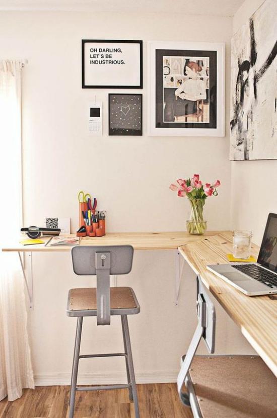 Eckschreibtisch einfaches Homeoffice minimalistisch gestaltet Platz für zwei Personen