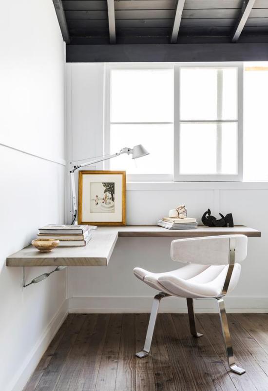 Eckschreibtisch modernes Homeoffice Minimalismus der gefragte Stil simples Raumdesign