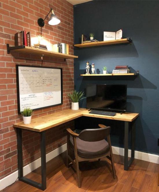 Eckschreibtisch modernes Homeoffice einfaches Raumdesign offene Ziegelwand