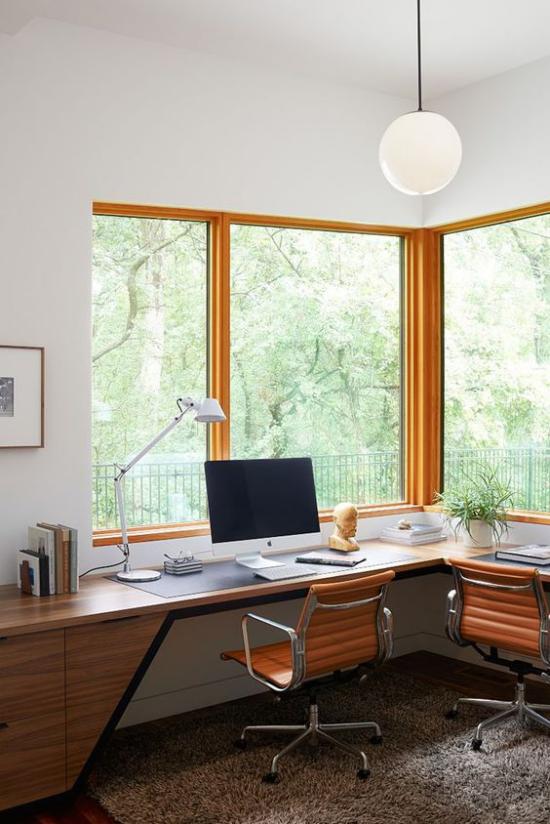 Eckschreibtisch modernes Homeoffice langer Schreibtisch