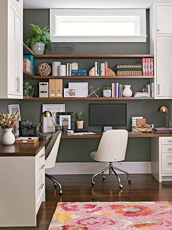Eckschreibtisch modernes Homeoffice stilvolle Gestaltung kleine Details aufeinander abgestimmt