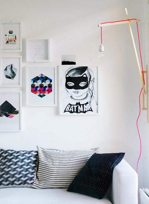 Extravagante Wandleuchten Wohnzimmer Sofa Deko Kissen Wandbilder Wandlampe in Sichthöher an der Wand montiert