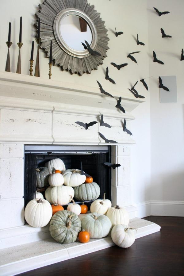 Fledermaus basteln mit Kindern zu Halloween – 50 bezaubernde Ideen und Anleitungen kaminsims deko ideen fledermäuse kürbisse