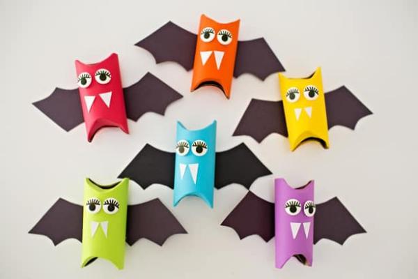 Fledermaus basteln mit Kindern zu Halloween – 50 bezaubernde Ideen und Anleitungen klorollen papprollen fledermäuse bunt