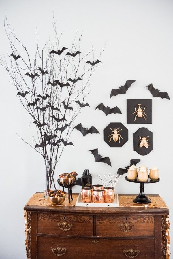 Fledermaus basteln mit Kindern zu Halloween – 50 bezaubernde Ideen und Anleitungen party buffet deko halloween zweige