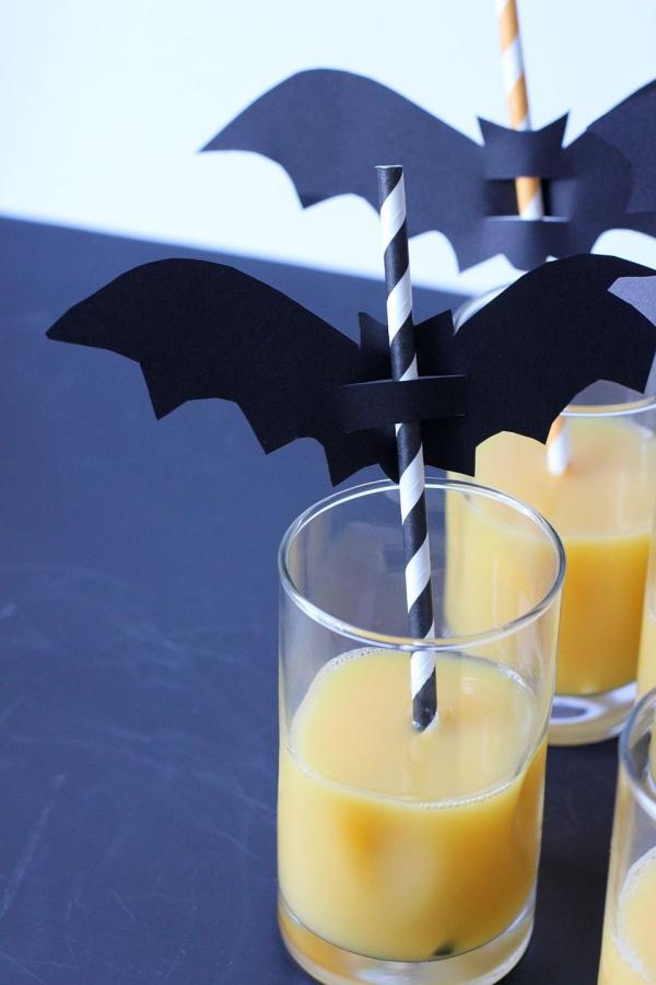 Fledermaus basteln mit Kindern zu Halloween – 50 bezaubernde Ideen und Anleitungen trinkhalme fledermäuse deko buffet