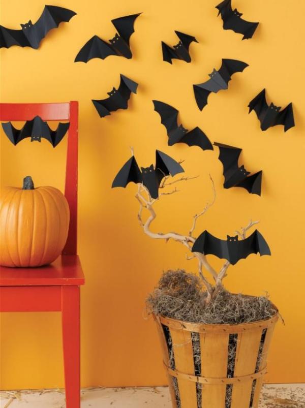 Fledermaus basteln mit Kindern zu Halloween – 50 bezaubernde Ideen und Anleitungen wand deko fledermäuse orange