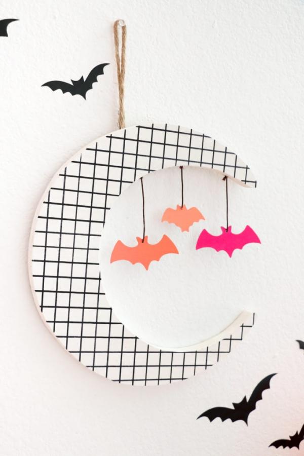 Fledermaus basteln mit Kindern zu Halloween – 50 bezaubernde Ideen und Anleitungen wanddeko mond halbmond