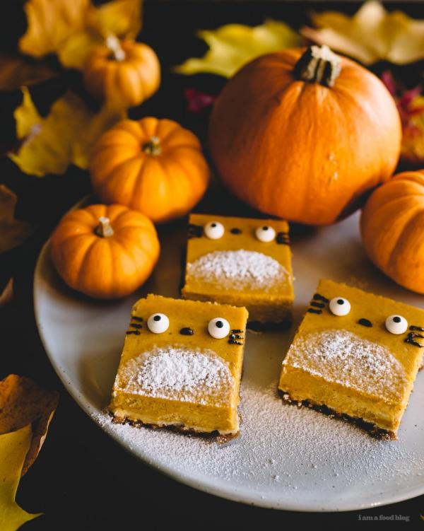 Köstliche und schnelle Halloween Rezepte, die verzaubern kürbis käsekuchen monster