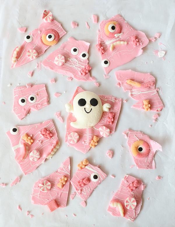 Köstliche und schnelle Halloween Rezepte, die verzaubern schoko rinde rosa geister