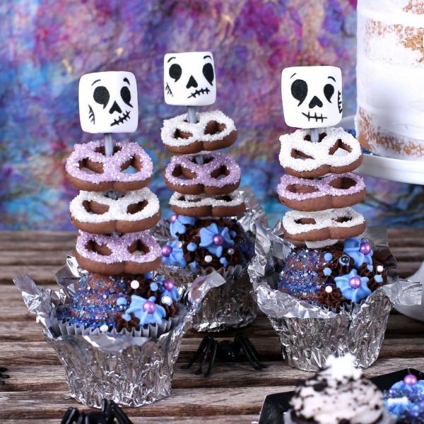 Köstliche und schnelle Halloween Rezepte, die verzaubern skelette mäusespeck pretzel