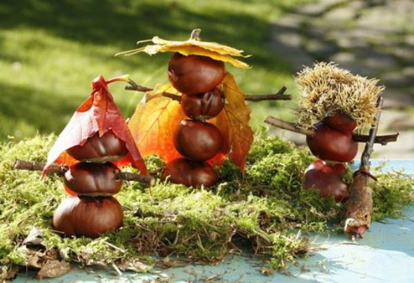 Kastanienfiguren Kleine Figuren auf der Wiese