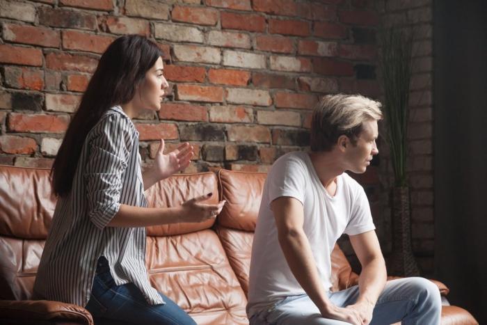 Keine langfristige Beziehung Sternzeichen Streit zuhause Trennung im Sicht