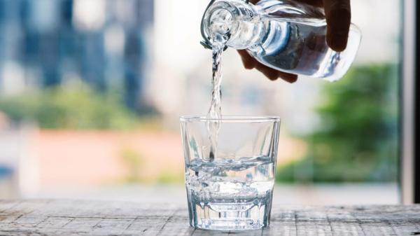 Kristallwasser aufladen und trinken