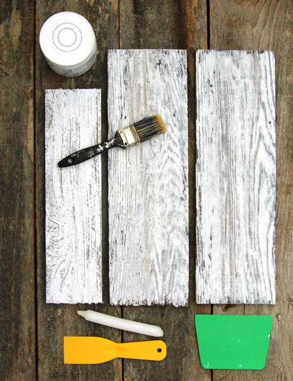 Mit Kalkfarbe streichen Holz tünchen 4 verschiedene Techniken