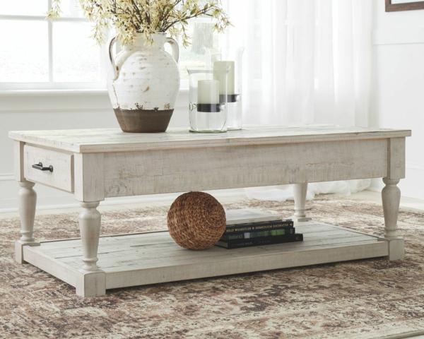 Mit Kalkfarbe streichen Holz tünchen Techniken Wohnzimmertisch