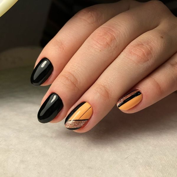 Nagel Trends - schwarz und gold in der Farbe