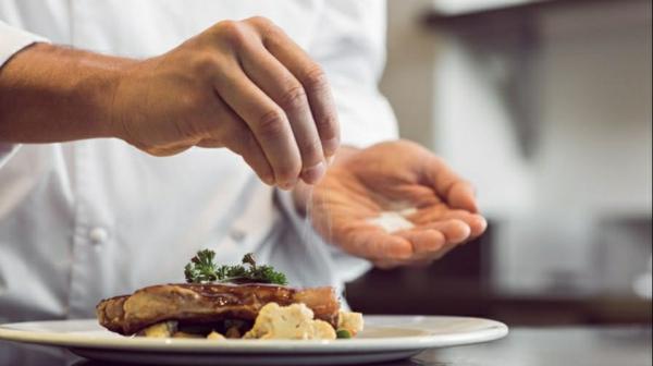 Salzersatz weniger Salz zu sich nehmen kochen ohne Salz
