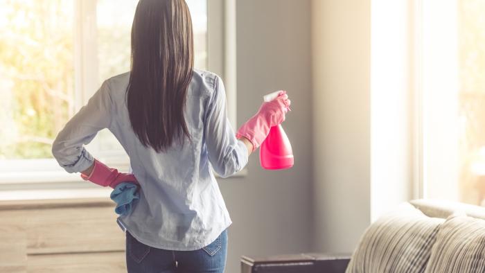 Sternzeichen gern alleine unabhängige Einzelgänger saubermachen zu Hause Lieblingsbeschäftigung der Damen