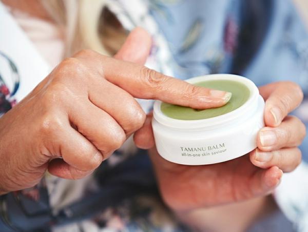 Tamanu Öl WirkungPolynesien gesunde Haut Pflege Balsam