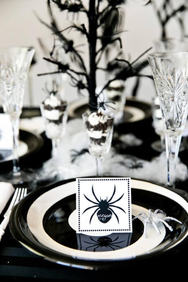 Tisch gestalten Tisch eindecken Halloween Deko