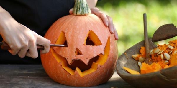 Warum ist Kürbis gesund Halloween Kürbis schnitzen