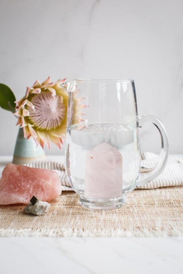 Wie kann man Kristallwasser selbst herstellen