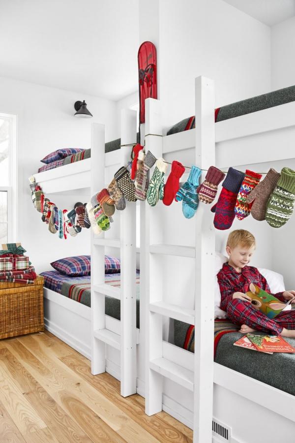 Winterdeko basteln zu Weihnachten handschuhe girlande kinderzimmer