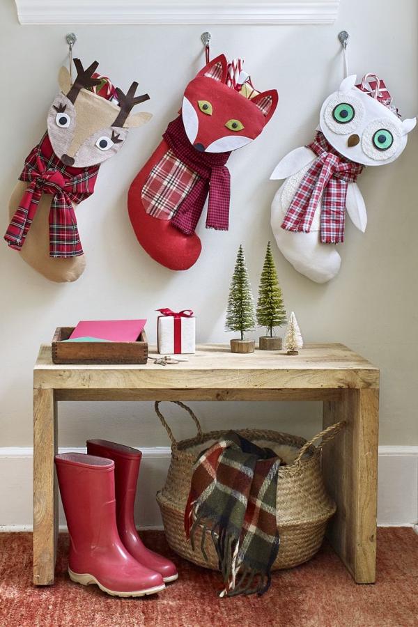 Winterdeko basteln zu Weihnachten nikolaus stiefel socken deko geschenke tiere waldtiere